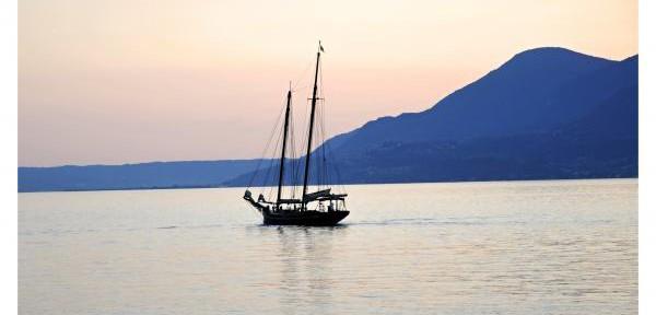 Tramonto-sul-Lago-di-Garda.jpg